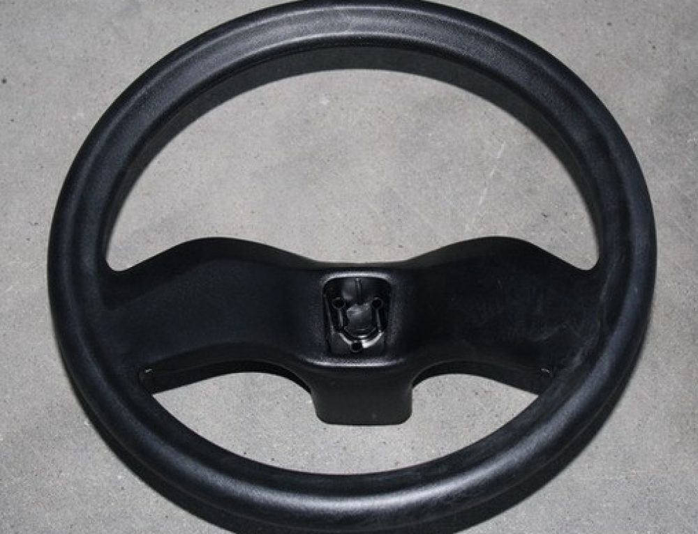 Steering wheel by gas assist injection molding